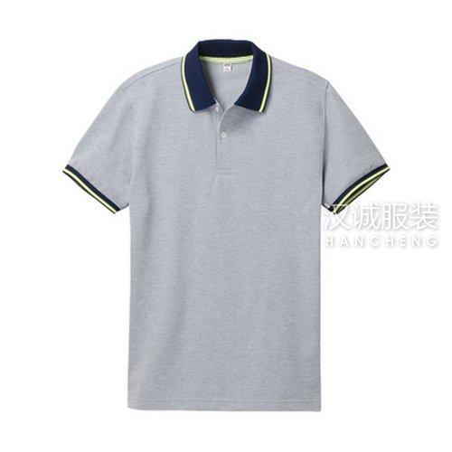 灰色纯棉T恤衫