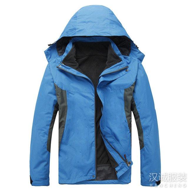 深蓝色两件套冲锋衣