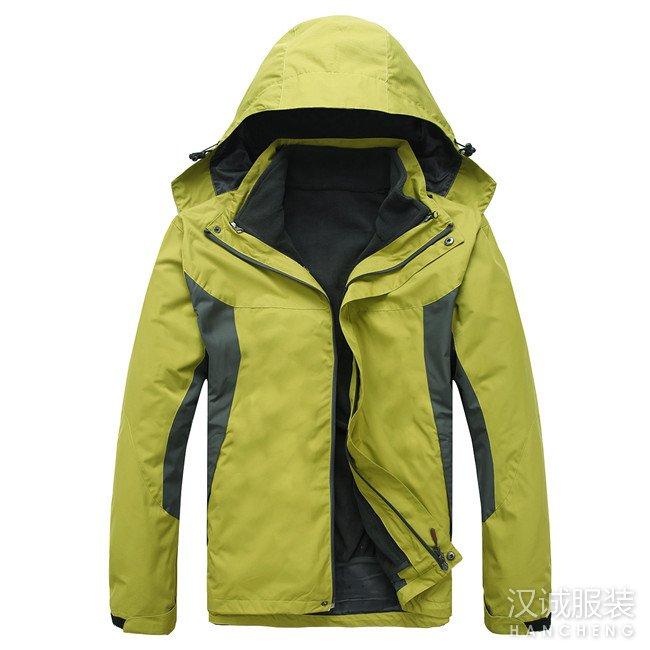 军绿色两件套冲锋衣
